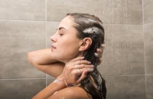 Lavar bien el cabello